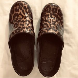 EUC Dansko leopard spotted clogs